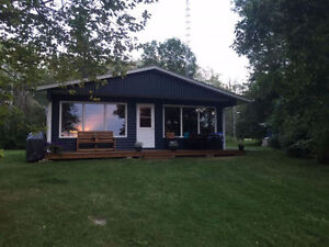 Waterfront Cottage - Lee River, Lac du Bonnet - RENTAL
