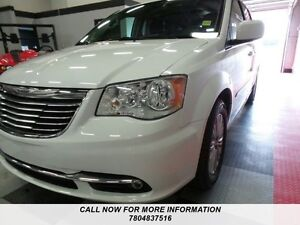 2016 Chrysler Town & Country L