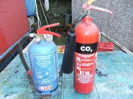 2X Fire exstinguishers, ideal garage, caravan.a must for every diy job.
