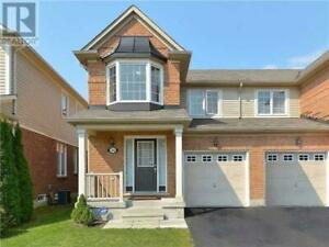 House available immediately for rent in Stouffville, ON