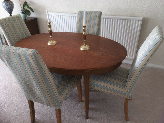 Super quality Dining table and 4 chairs