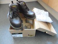 Dr Marten - Lady brown color boots/ shoes Size 9