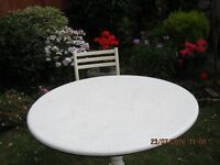 Attractive white kitchen table with pedistal base + four matching chairs
