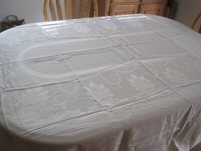 VTG IRISH LINEN DAMASK TABLECLOTH BANQUET SIZE 102""