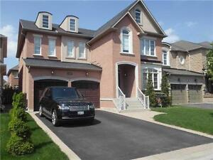 La Dolce Vita! Beautiful 4 Br In Desirable Thornhill Woods.