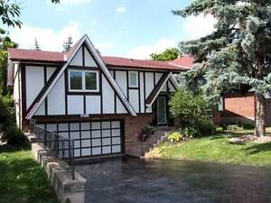 Beautiful detached home for sale in Clarkson, 2471 Benedet Dr