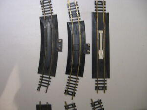 Lot Of 5 HO SCALE Used Brass Rerailers and 1 Uncoupler Piece