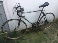 Old racer bike, good for parts **price reduced**