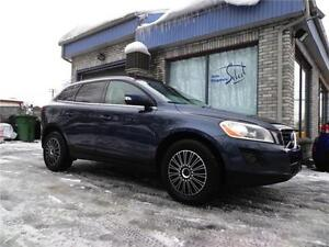 VOLVO XC60 AWD T6 TOIT PANORAMIQUE 2010 ULTRA CLEAN!!!