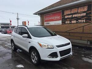 2014 Ford Escape SE**ONLY 32 KMS**LEATHER**ROOF**LOADED**ECO