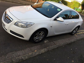 Vauxhall Insignia 2.0 Eco Flex start/stop in Stunning condition!