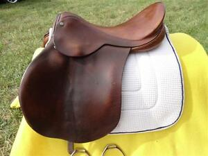 "16.5"" Barnsby English Saddle Penticton Kelowna image 8"