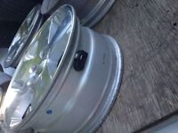 Jeep alloy rims 5 of them 255-70-R18
