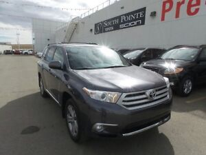 2011 Toyota Highlander | Sunroof | Heated Seats | Backup Camera