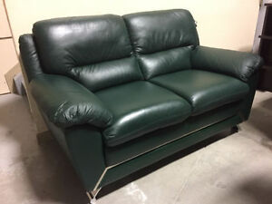 ~~~Brand New Richi Collection Genuine Leather Loveseat w/ Tags