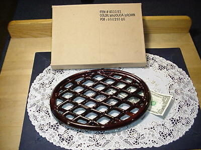 John Wright 033352 Trivet Lattice Style, Majolica Brown, Porcelain-Coated NEW! John Wright Lattice Trivets