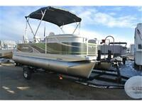Time to get out on the lake and get some sun! Splash pontoon