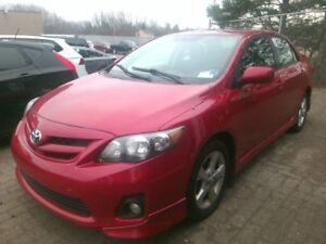 2013 Toyota Corolla S sunroof alloys low kms S,S