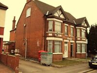 1 bedroom flat in Hazelbury Crescent, Bury Park