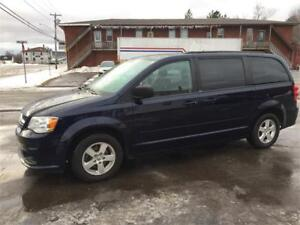 2012 Dodge Grand Caravan SE, auto,ac,cruise,stow and go seats