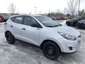 2014 Hyundai Tucson GL- Winter/Summer tires. Manual