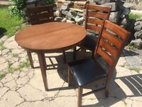 Best offer -- Ensemble Table + 3 chaises / chairs