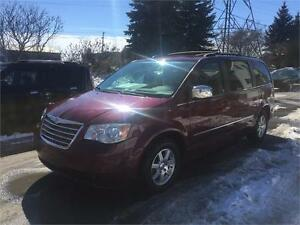 2009 Chrysler Town & Country, Safety & ETEST for ON or QC INCL.