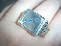 Vintage, Quality Metal Silver? 3 Blue Stone Signet Mans Mens Ring Large Size Z