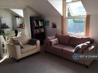 2 bedroom flat in Taybridge Road, London, SW11 (2 bed)