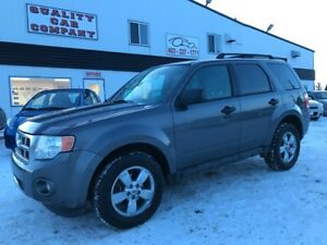 2009 Ford Escape XLT AWD, Leather. January Priced at only $8500!