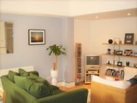 Excellent 2 DOUBLE bedroom flat with fantastic transport links very close by.