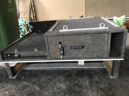 LAND ROVER DISCOVERY SERIES 2 OUTBACK TRAVELLING REAR INSERT