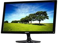 """EXCELLENT SLIM SAMSUNG LS24D300, 24"""" W/SCREEN GAMING MONITOR, HDMI, +CABLES"""