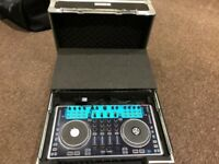 NUMARK N4 DJ CONTROLLER WITH SWAN FLIGHTCASE