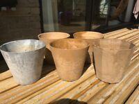 Artstone flowerpots