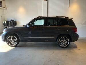 2015 Mercedes-Benz GLK-350  low km's