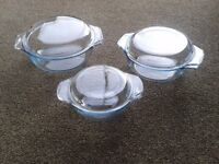 Pyrex Dishes/Casserole Dishes.
