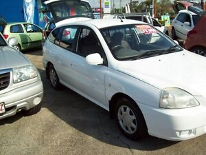 2005 Kia Rio MY04 LS White 5 Speed Manual Hatchback Capalaba West Brisbane South East Preview