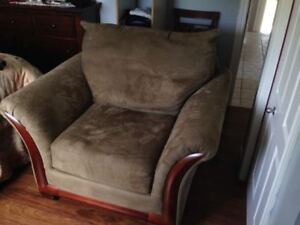 Arm chair - almost new
