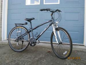 vélo Bonelli hybride pour femme