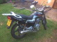 Great looking Lexmoto Arrow 125cc, cracking learner bike