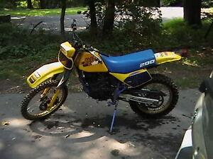 1988 Suzuki DR200 dirtbike