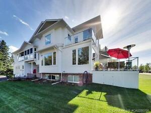 Luxury Lake Front Home in Sylvan Lake