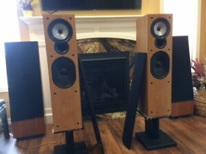 Kef Uni Q Series 6.2  -  Floor-to-chest high speaker set!