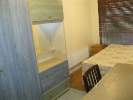 double room in Ealing Broadway £135