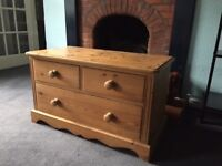 Lovely Pine Chest - Free for own pickup