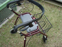LEGACY LITE 600 WALKER WITH SEAT