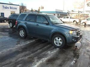 2012 FORD ESCAPE FULLY LOADED LEATHER VERY NICE AND CLEAN