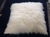 Cushion (Fluffy & Extra-Large)
