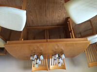 LARGE DINING ROOM TABLE AND 6 CHAIRS FOR SALE